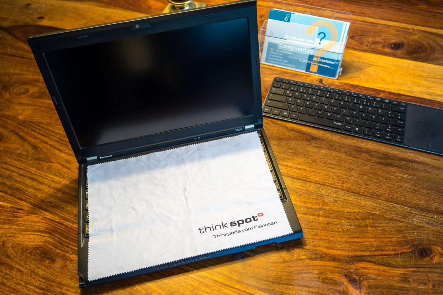 Ein Tuch auf dem Laptop ist eine gute Idee